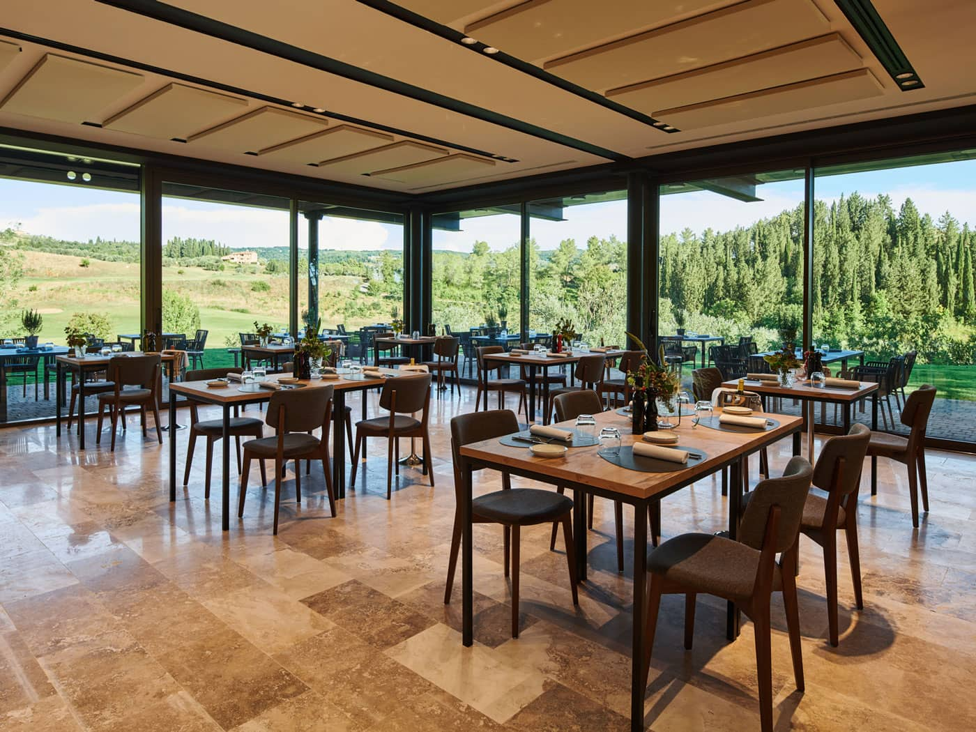 Interior view of Golf Course restaurant - Golf Club Castelfalfi
